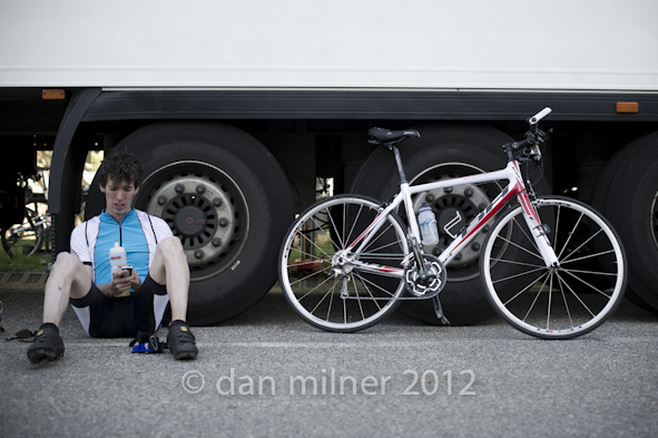Nikon D3s, 50 1.4 @ 1/320, f2.8. Pete and the borrowed bike.